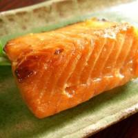 今日の夕食は『鮭の味噌漬』『イクラ醤油漬け』