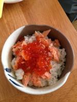 塩引鮭といくらの親子丼