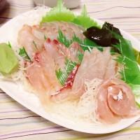 日本海の荒海に鍛えられた新鮮な《天然真鯛 一尾》